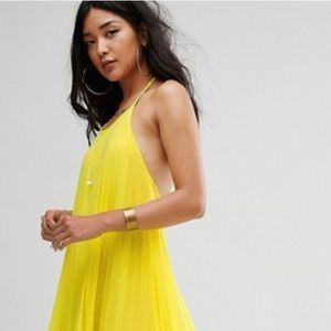 Asks Missguided Pleated Maxi Dress